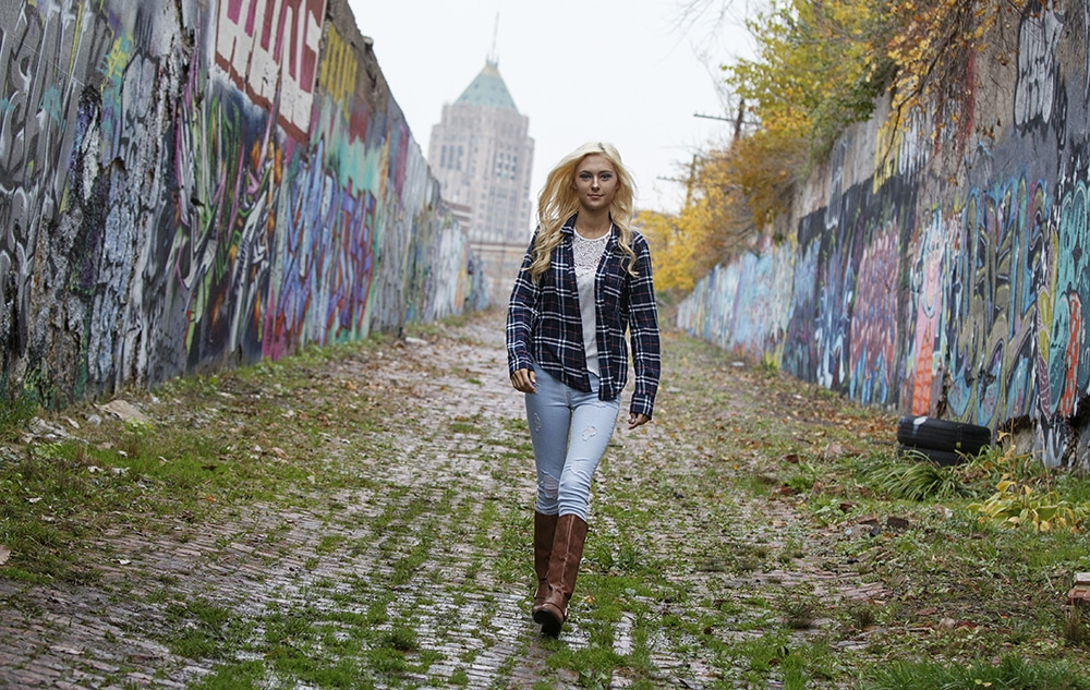 Best Detroit Photographers - Graffiti Senior Pictures