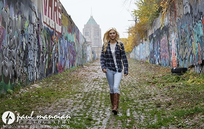 Awesome Graffiti Senior Pictures - Detroit Photographers